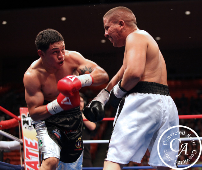 You are browsing images from the article: David Rodriguez KO's Owen Beck with Booming Thundering Left Hooks